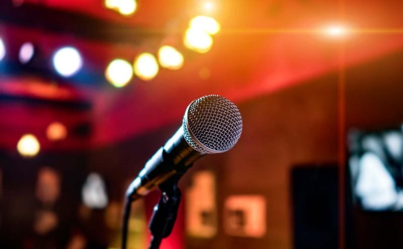 Theme evenings and karaoke nights